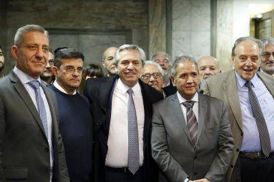 Alberto Fernández privilegia a Moyano y Palazzo y dilata el encuentro con la CGT