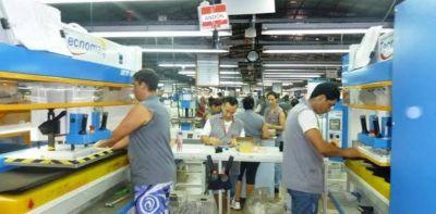 Una planta que produce para Nike despidió 90 trabajadores por la caída de ventas en el mercado interno