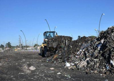 De la avenida Costanera retiran 250.000 kilos de basura