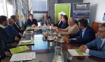 Firman un convenio para prevenir casos de corrupción en los puertos