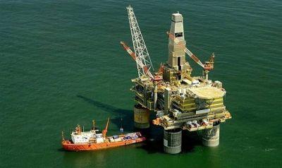 Arabia Saudí y Rusia apoyan la propuesta de prorrogar el acuerdo de recorte de producción mundial de petróleo