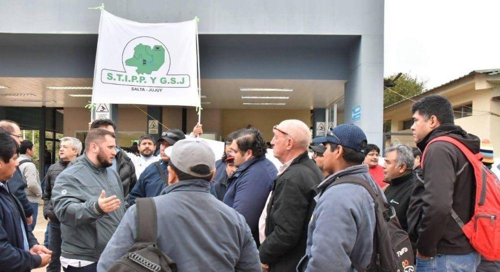 Una audiencia conciliatoria postergó el paro petrolero que prometía desabastecer Salta y Jujuy