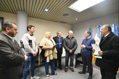 Fernando Gray entregó ayuda económica para nueva sede del Rotary Club