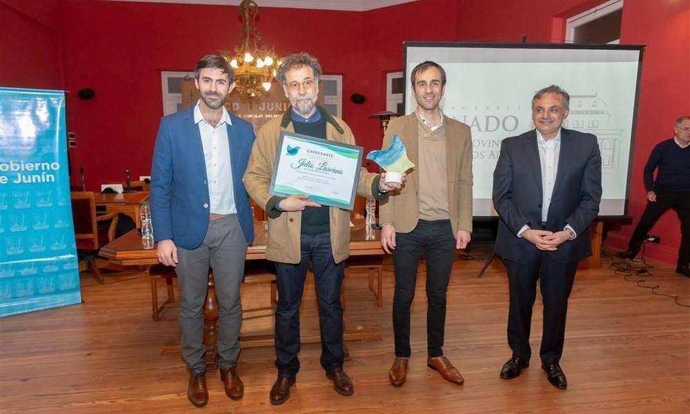 Distinción para el artista plástico Julio Lascano