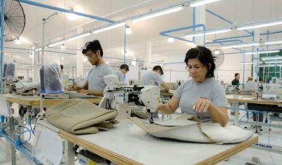 Por la caída de las ventas, la proveedora de Toyota Sewtech para la producción y suspende 260 empleados