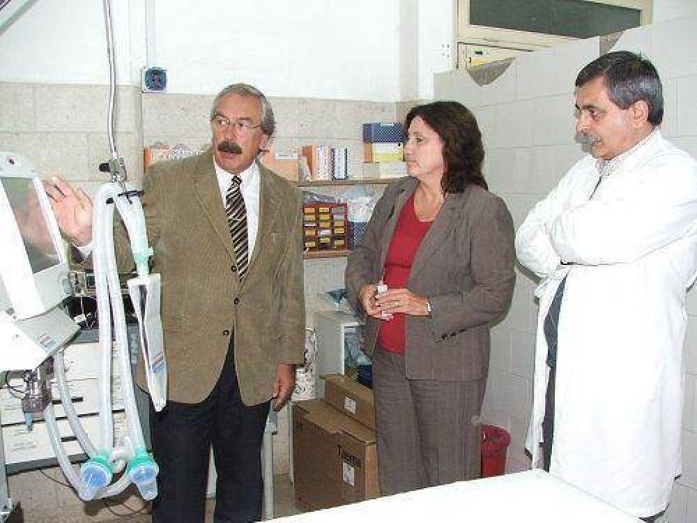 Incorporan dos nuevos respiradores artificiales en el Hospital