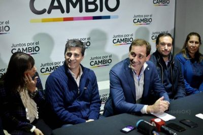 El intendente Garro presentó a sus precandidatos: