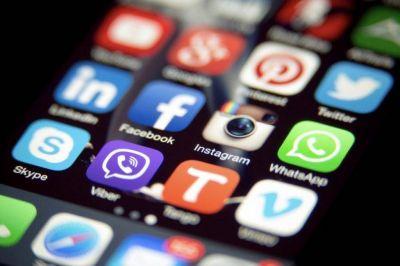 Las redes sociales se meten en la campaña y la licitación que ya está vencida