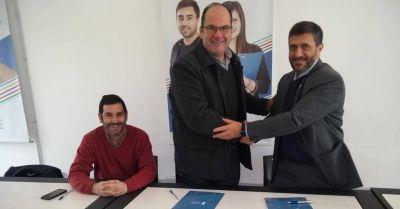 Intendente Olivera firmó un convenio con la Universidad Atlántida Argentina de Dolores