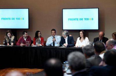 Campaña: Facundo y Jimena López en el encuentro con Alberto Fernández y Sergio Massa