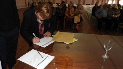 Convenio entre la comuna y el Colegio de Escribanos