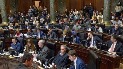 La Legislatura porteña aprobó la venta de 12 terrenos para pagar la deuda que generó la construcción del Paseo del Bajo