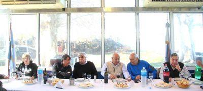 Moyano mostró su músculo y pidió afianzar la unidad para que el 10 de diciembre haya un Presidente peronista
