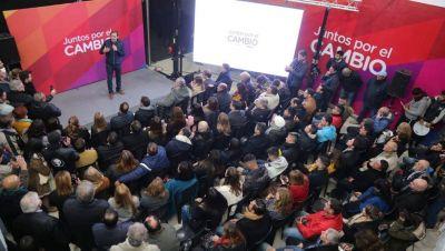 """Garro inauguró la sede central de """"Juntos por el Cambio"""" para la campaña"""