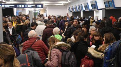 """De los """"números en rojo"""" al """"récord de pasajeros"""", nuevo round en el conflicto Aerolíneas"""