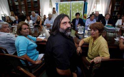 Gremios docentes cuestionan la autocrítica de Vidal: