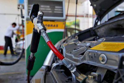 Restringen la venta de GNC en La Plata para garantizar el gas en los hogares