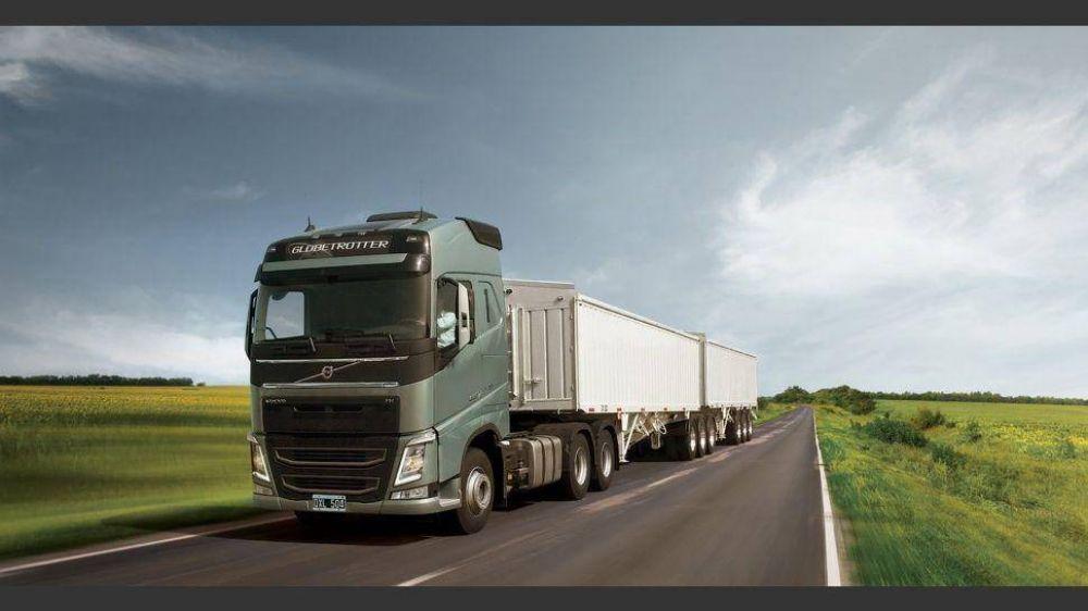Industriales reclaman bajar los costos del transporte para mejorar la competitividad