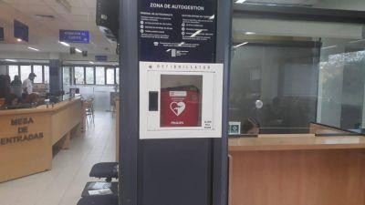 Primeros auxilios: OSSE sumó desfibrilador externo y forma a su personal en reanimación cardiopulmonar