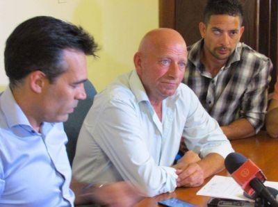 Trabajadores municipales resolvieron un quite de colaboración desde este jueves