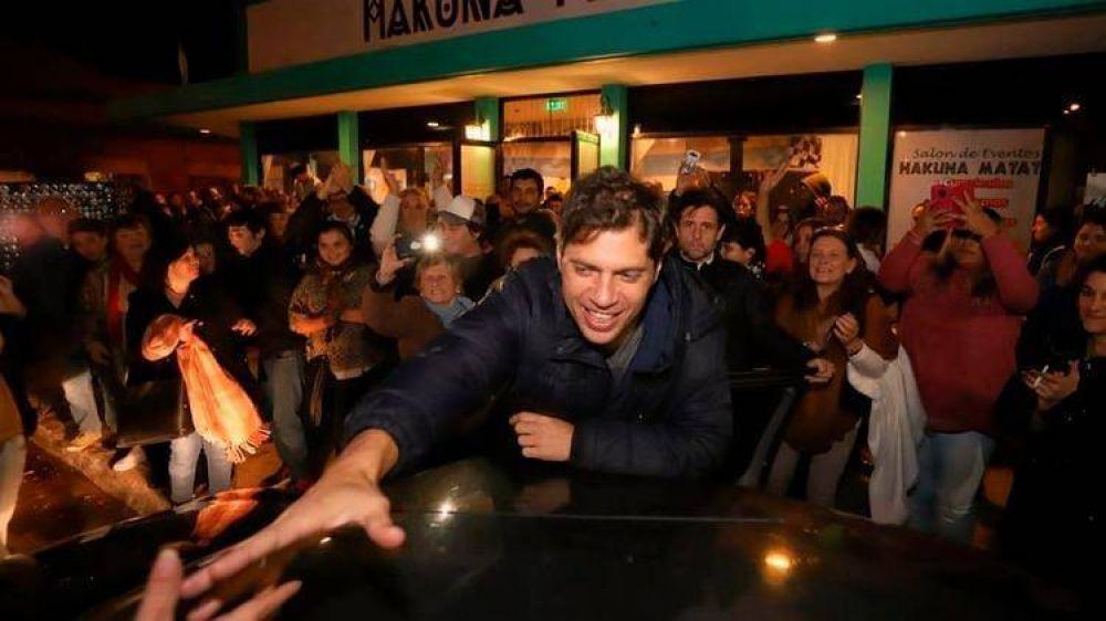 Axel Kicillof se concentra en el interior bonaerense, divide la campaña con Massa y apunta contra la gestión de Vidal