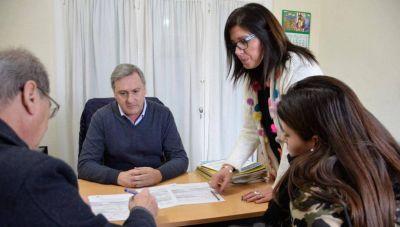 Empleo: Firman convenios para que otros tres jóvenes accedan a su primera experiencia laboral