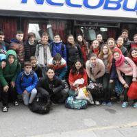 Con el apoyo municipal, planteles juveniles de hándbol viajaron a la Copa Buenos Aires
