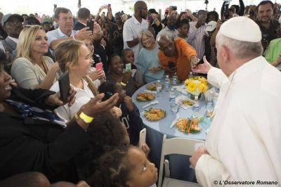 ¿Dios nos quiere pobres?, responde el Papa Francisco