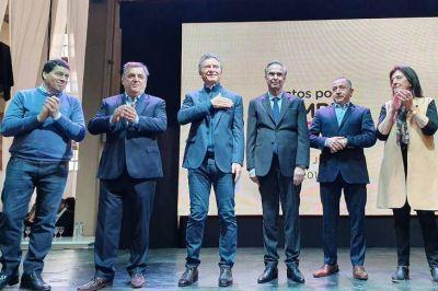 """""""Acá nació el cambio"""": Macri presentó su fórmula en Córdoba junto a Pichetto"""
