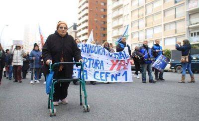 Una nueva protesta para exigir la reapertura de la Pileta Cubierta