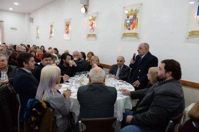 Arroyo participó del 69 aniversario del Centro de Castilla y León