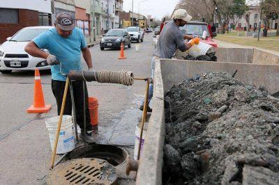 El Municipio lanzó un plan de obras en el conducto de avenida 25 para optimizar el sistema de desagües