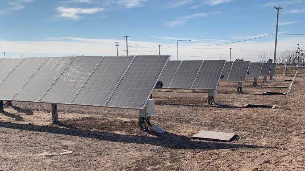 Comienzan a generar energía solar para mil casas del Este mendocino