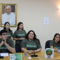 Jóvenes promueven plantación de 75.000 árboles en todo el territorio paraguayo
