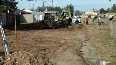 El municipio inició la obra de desagües pluviales en la calle Muñiz
