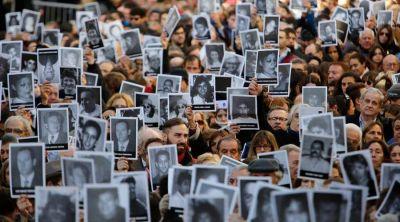 Papa Francisco envía mensaje a la AMIA: Desde el primer día rezo por víctimas de atentado