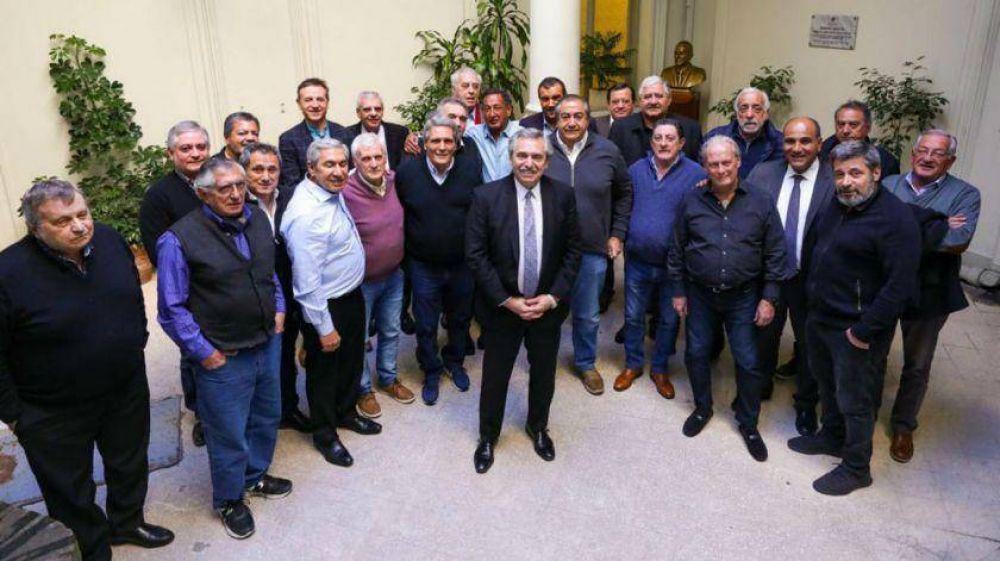 Alberto Fernandez se reunió con la CGT y celebró el apoyo de la mayoría de los gremios