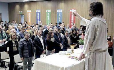 Culminó una Muestra sobre el Papa Francisco en el Espacio Cultural UOCRA