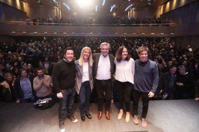 Alberto y Kicillof se reúnen con intendentes bonaerenses para afinar detalles de campaña