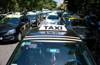 """Uber: """"Nos cuesta entender que vengan vehículos sin ningún tipo de habilitación"""""""