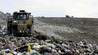 Confirman el procesamiento de más de 40 intendentes por fraude con un programa de residuos