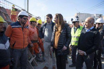 Aumento de sueldos y recorrida por el interior: Vidal, en busca de los votos que todavía le faltan