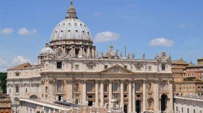 """Vaticano recuerda que declaraciones de ex Nuncio sobre Franco fueron """"a título personal"""""""
