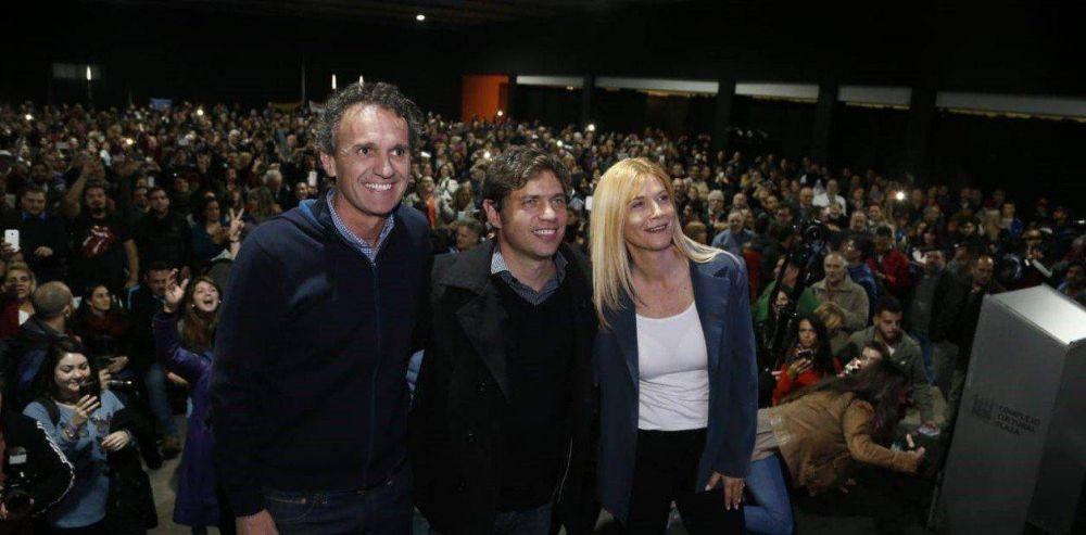 """Axel Kicillof se mostró con el intendente que """"desafió"""" a Mauricio Macri y a María Eugenia Vidal"""