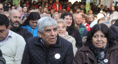 Sica cedió y homologó la paritaria semestral de Camioneros