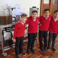 De la ciudad al mundo: chicos demuestran que el agua sucia puede ser potable