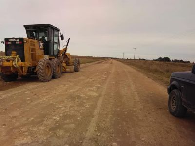 SANTAMARINA: Trabajos del Ente Vial y la Delegación en el acceso al pueblo