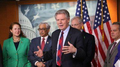 Los demócratas investigan los vínculos de Trump con la petrolera Marathon, con negocios en México