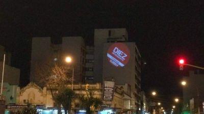 Diez continúa con su campaña libre de afiches instalando una zona de WiFi gratuito