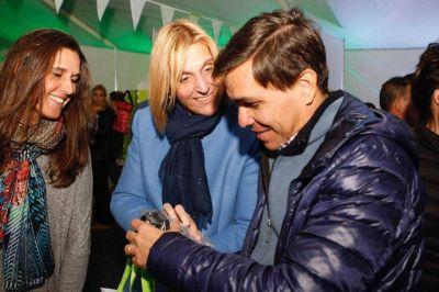 """Baragiola visitó la muestra """"Compre Pyme"""""""